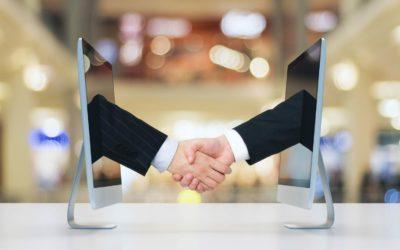 ¿Cómo se comunica el cliente con sus asesores?