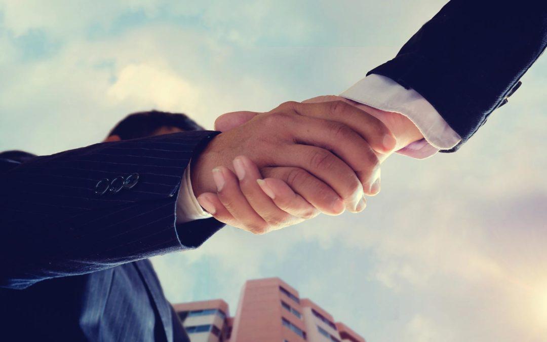 ¿Qué tipo de relación mantienen los clientes con sus asesores?